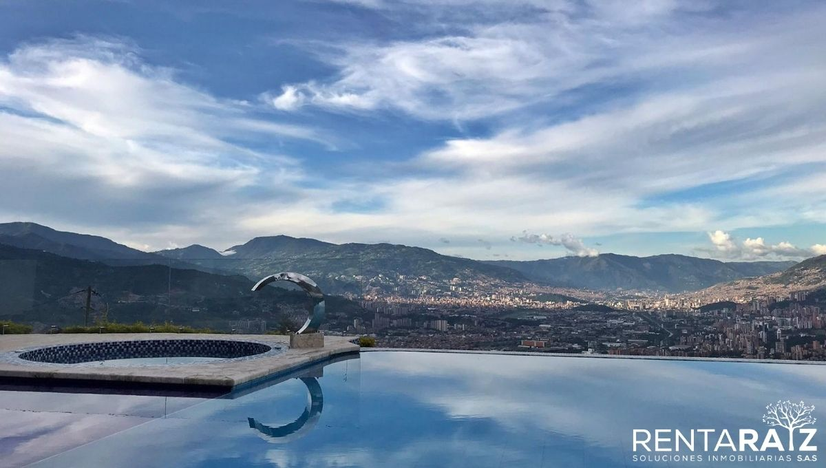 Envigado – Casa Con Vista 360° Y Piscina (Cod 97)