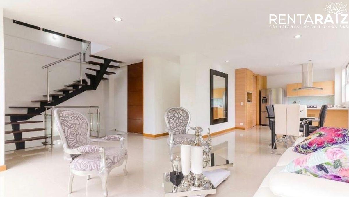 Envigado – Hermosa Casa Ubicada En Sector Exclusivo (Cod 703)