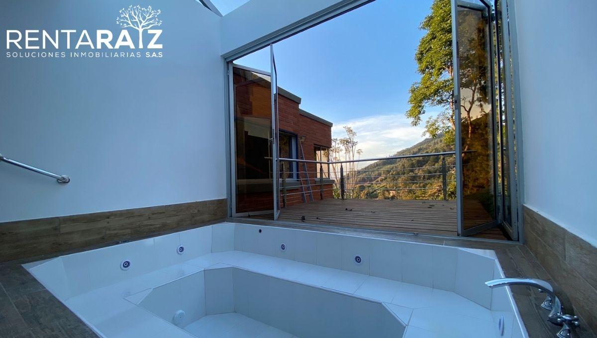 Las Palmas – Hermosa Casa Campestre Con Vista A La Ciudad En Conjunto Residencial (Cod 36)